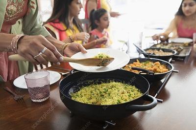 32 बार खाना चबाने का नियम है कितना सही?