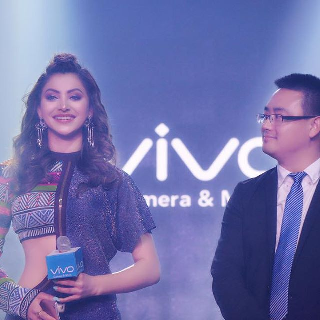 urvashi rautela grand launch on vivo india..